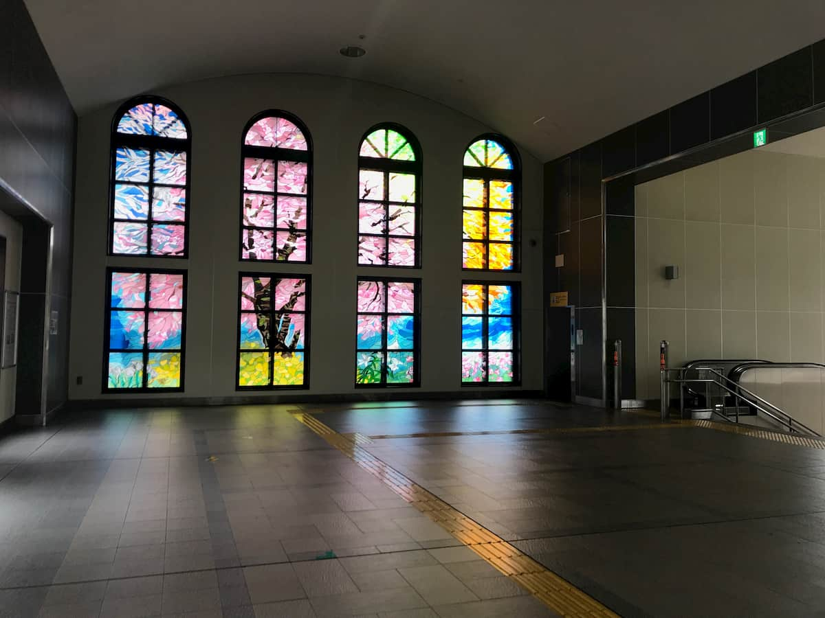 坂戸駅の構内