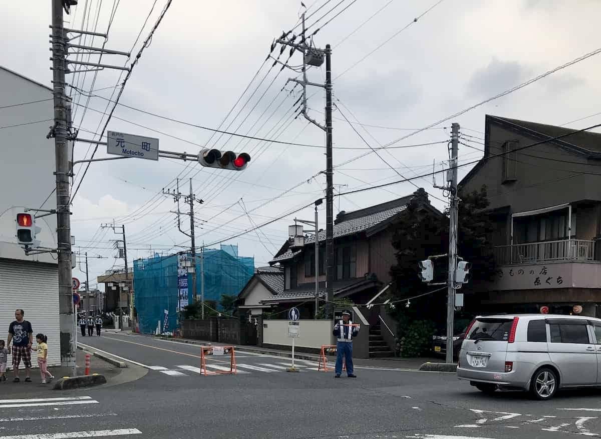 坂戸八坂祭の交通規制の様子