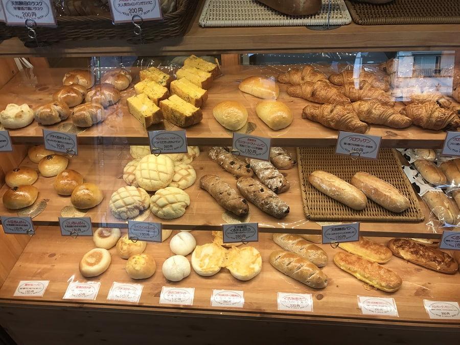 ラ・シルフィードのパンの種類と値段