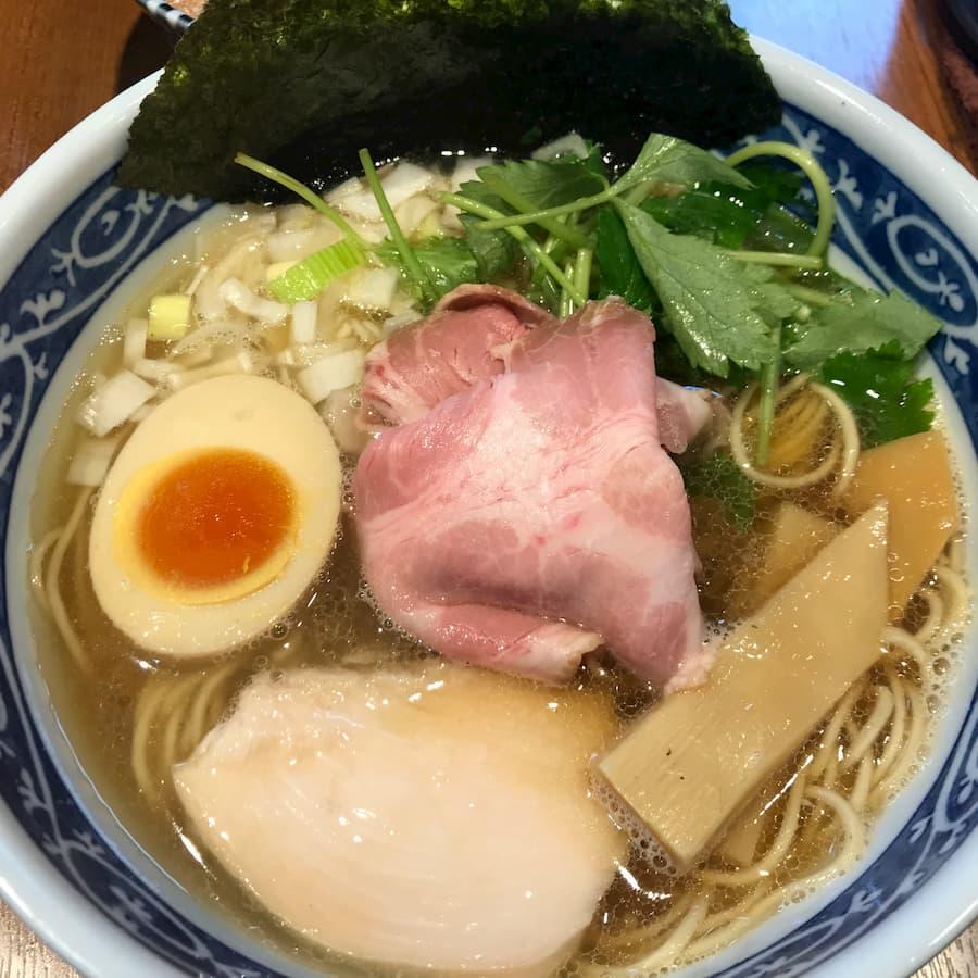 寿製麺よしかわ川越店の「煮干そば白醤油」