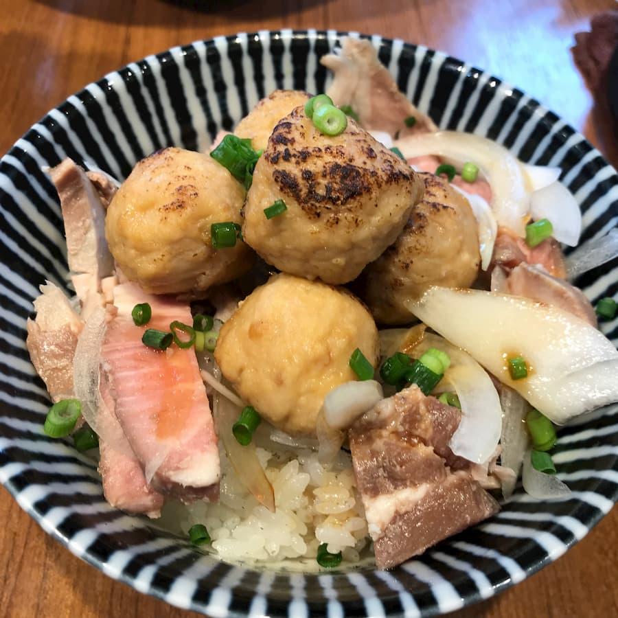 寿製麺よしかわ川越店の「つくね丼」