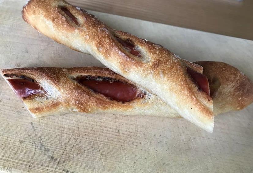 ハンドメイドベーカリー ニコリのウインナーパン