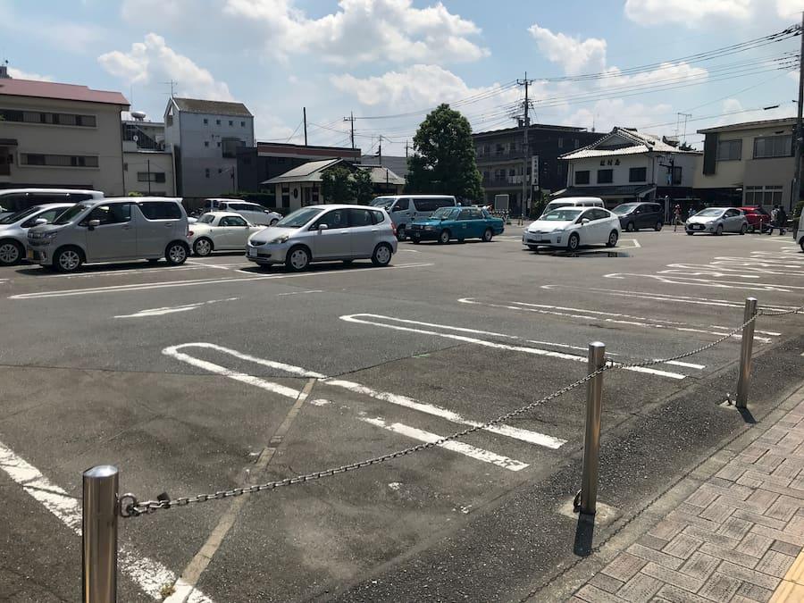 川越市役所前の駐車場