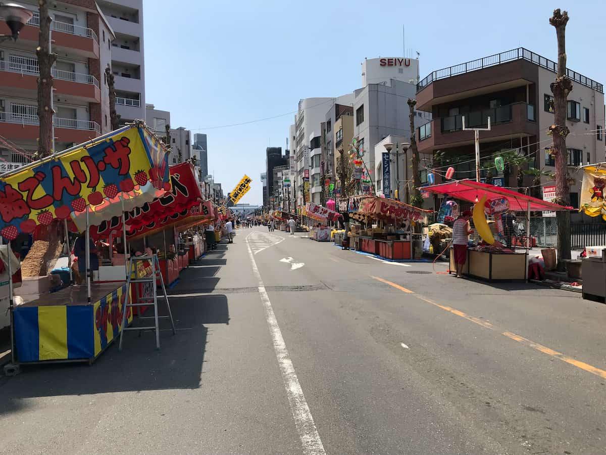 上福岡駅前の大通り