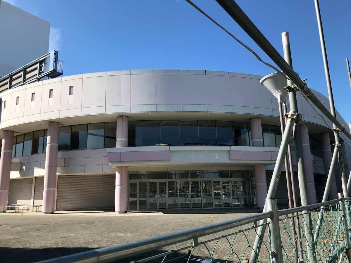 「イトーヨーカドー 上福岡東店」閉店後の外観(正面入り口)