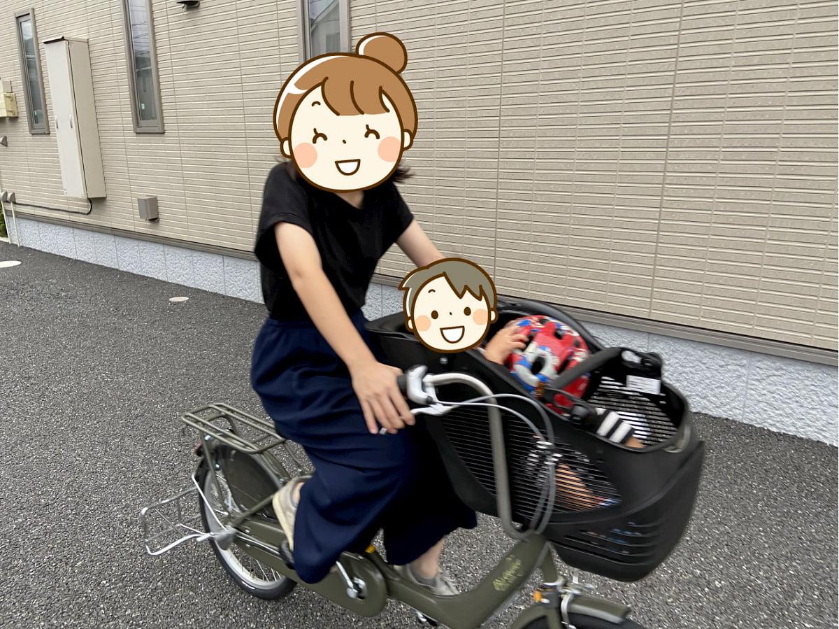 Birthdayの自転車に乗る親子
