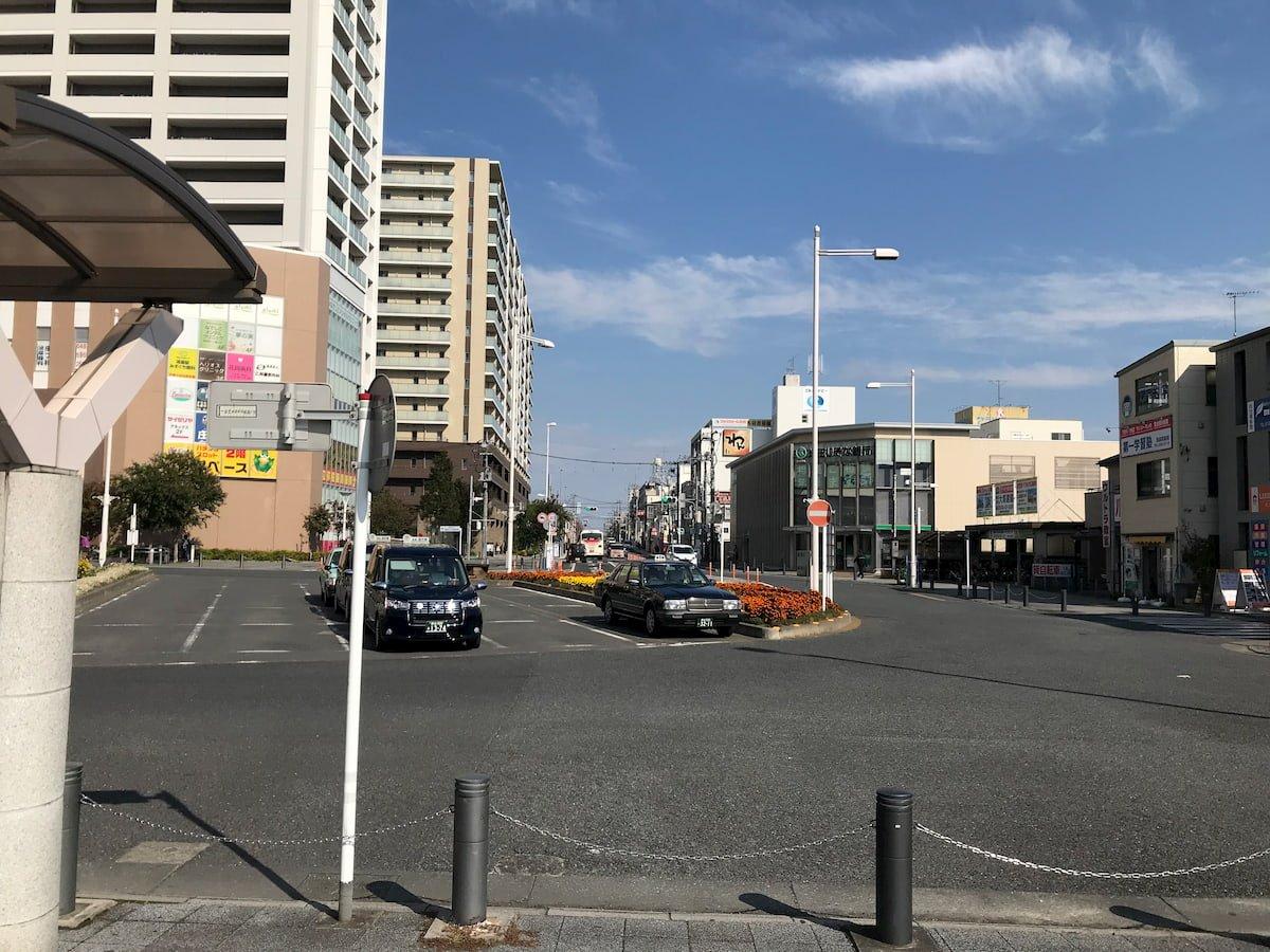 鴻巣駅の東口ロータリー