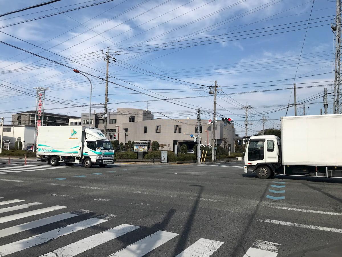 鴻巣警察署前の交差点