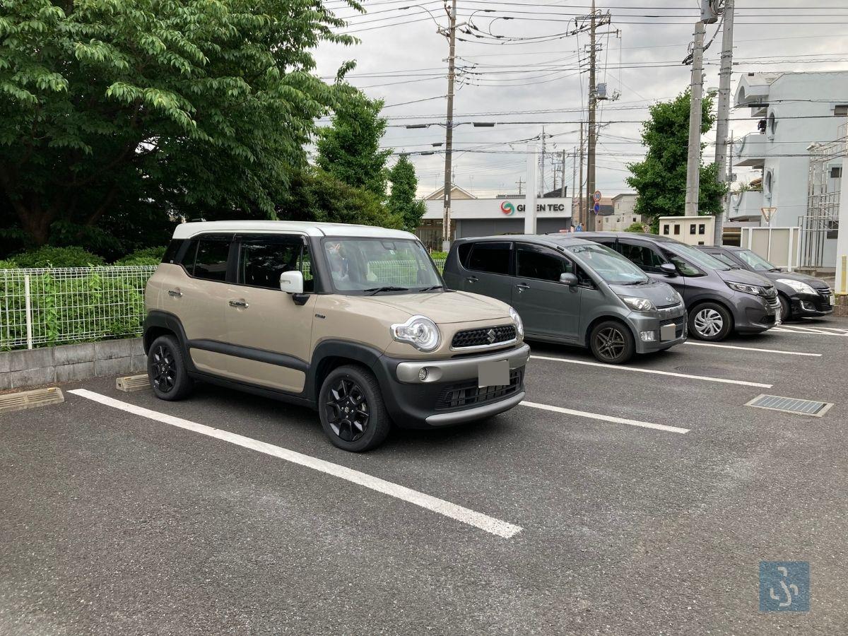 クリニック前の駐車場